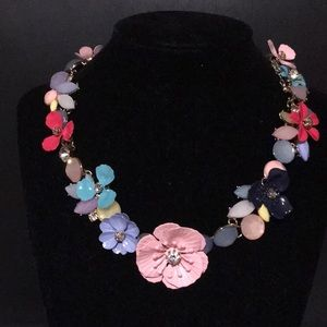 Jewelry - Multi color flower necklace